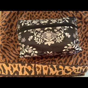 Handbags - Quilted Small Make-Up Bag